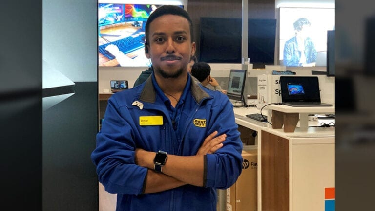 Best Buy hiring thousands to help customers this holiday season