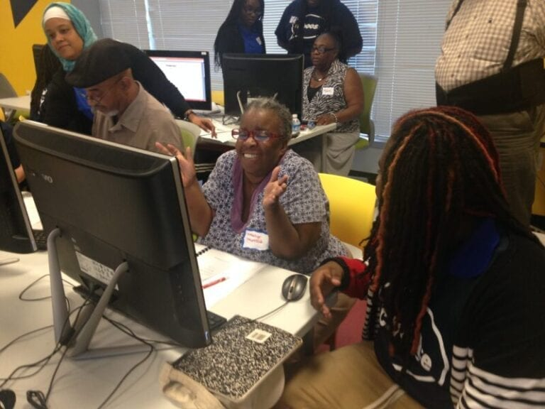 Teens Teach Seniors Technology, With Help from Best Buy