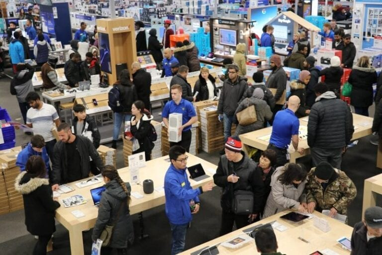Best Buy welcomes Black Friday shoppers [PHOTOS]