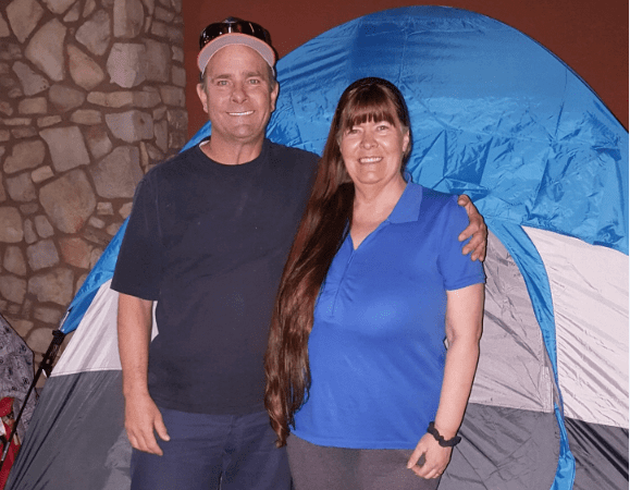 Vegas Couple Camps Out At Best Buy To 'Bless Someone Else'